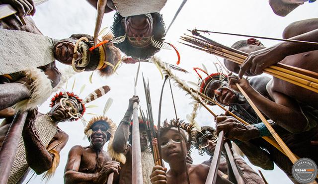 9 Suku Indonesia yang Identitasnya Misterius. Ternyata Mereka Bersemayam di...
